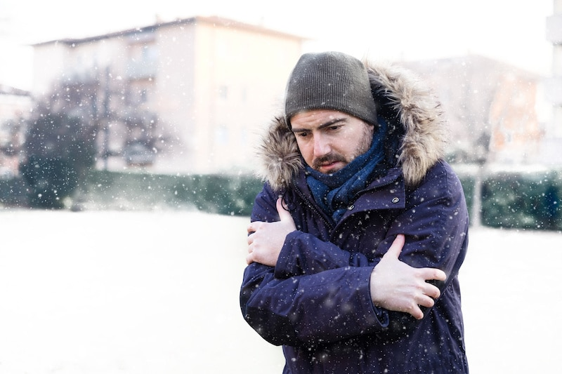 hypothermia is caused by exposure to cold that lowers your body's temperature
